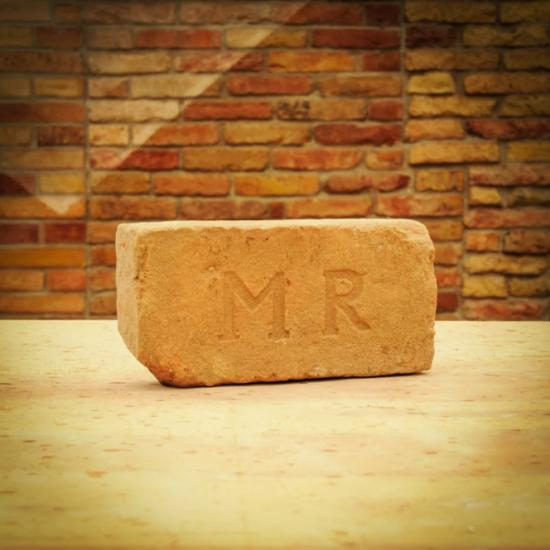 Címeres tégla - MR feliratú